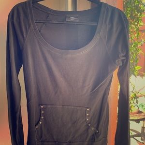 Tops - Black long sleeve shirt with crown